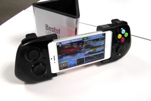 Image 2 : [Test] Ace Power : que vaut la manette iOS 7 de Moga ?