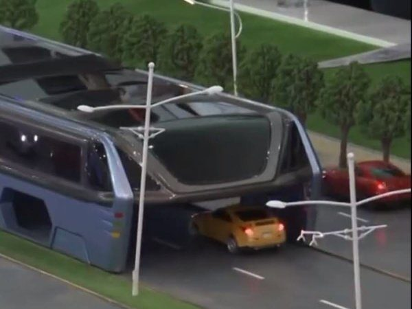 Image 2 : Ce bus chinois peut enjamber les voitures