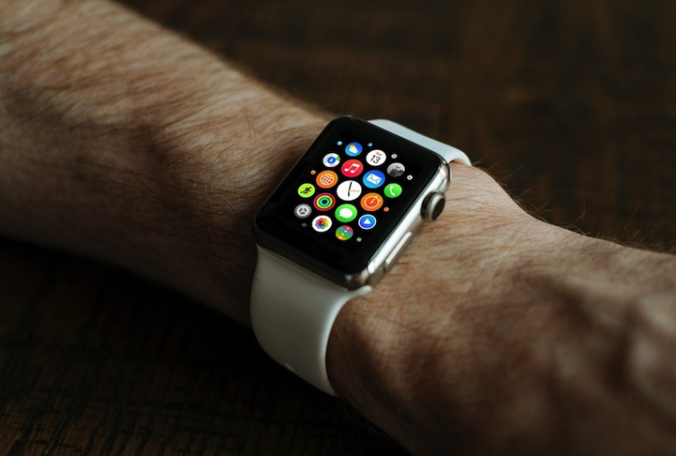 Image 1 : Apple Watch : plus fort que l'Oled, le micro-LED