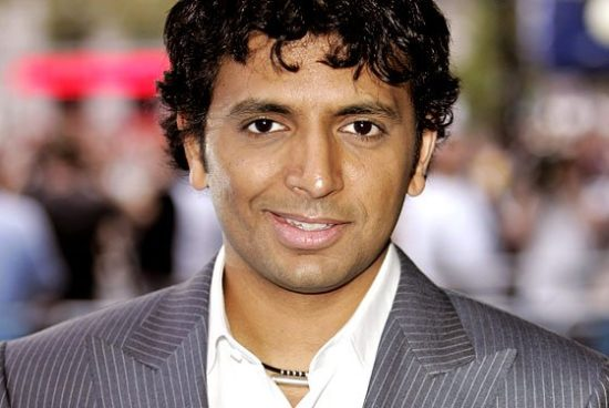 Image 1 : Apple se paie les services de M.Night Shyamalan