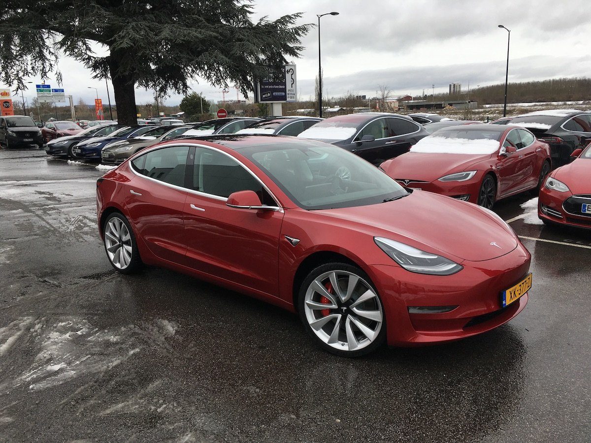 Image 1 : Tesla : on a piloté la Model 3 et on a kiffé !