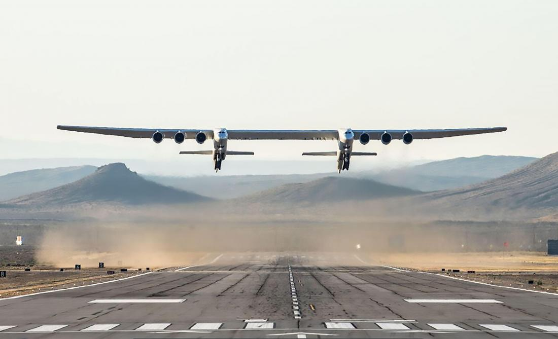 Image 1 : Stratolaunch : premier vol réussi pour le plus grand avion du monde