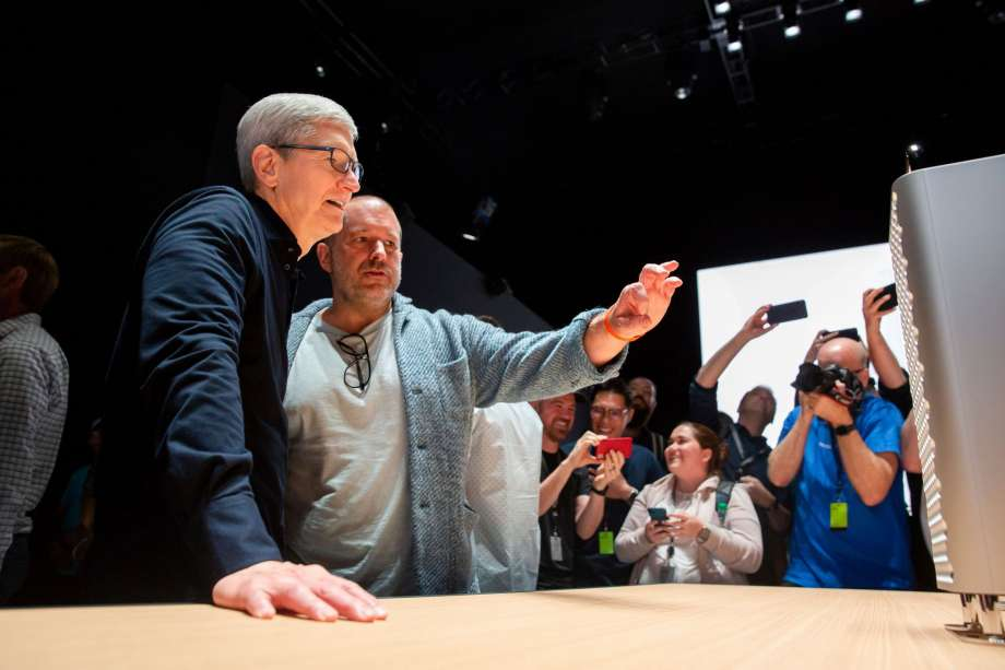Image 1 : Apple perd Jony Ive, le designer historique de l'iPhone