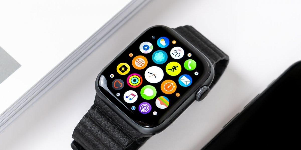 Image 1 : La future Apple Watch en titane et en céramique ?
