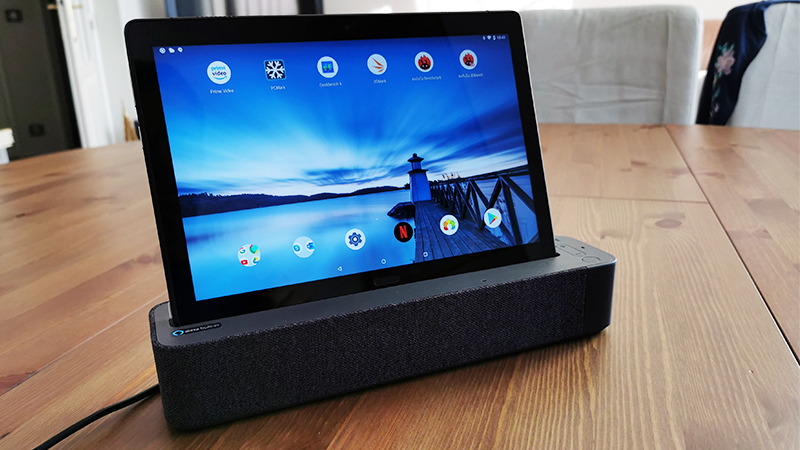 Image 3 : Lenovo Smart Tab : on a testé l'assistant vocal qui se transforme en tablette