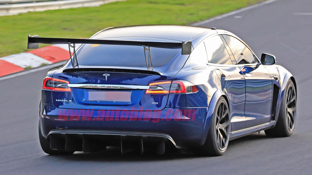 Image 1 : Tesla : la Model S en version course sur le Nurburgring