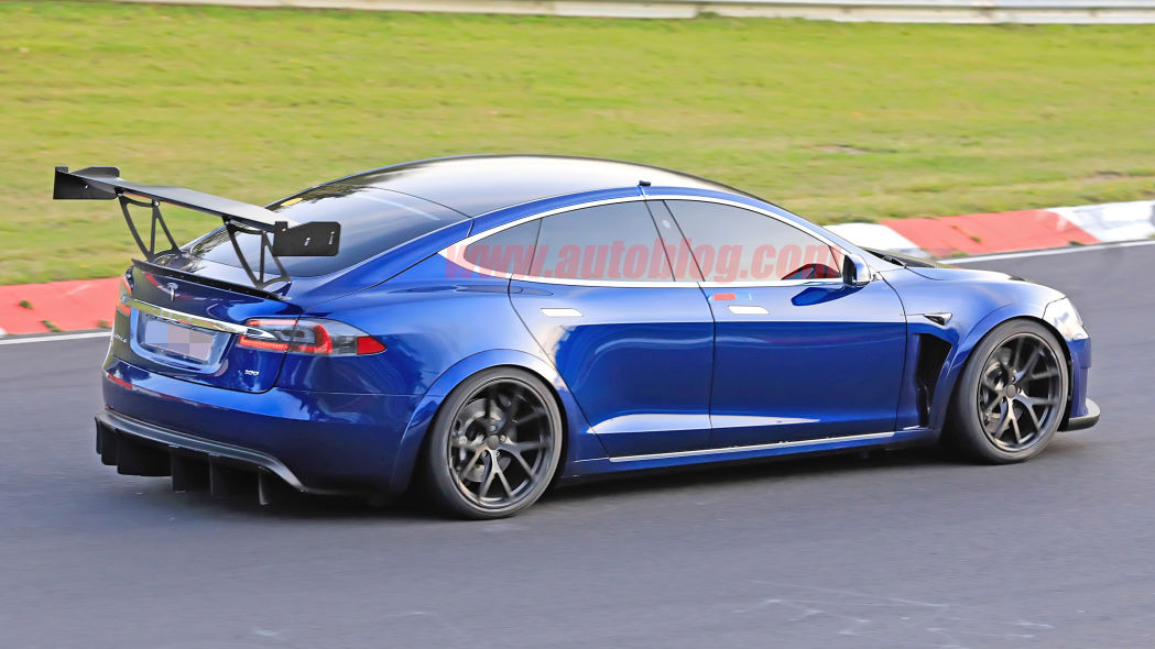 Image 3 : Tesla : la Model S en version course sur le Nurburgring