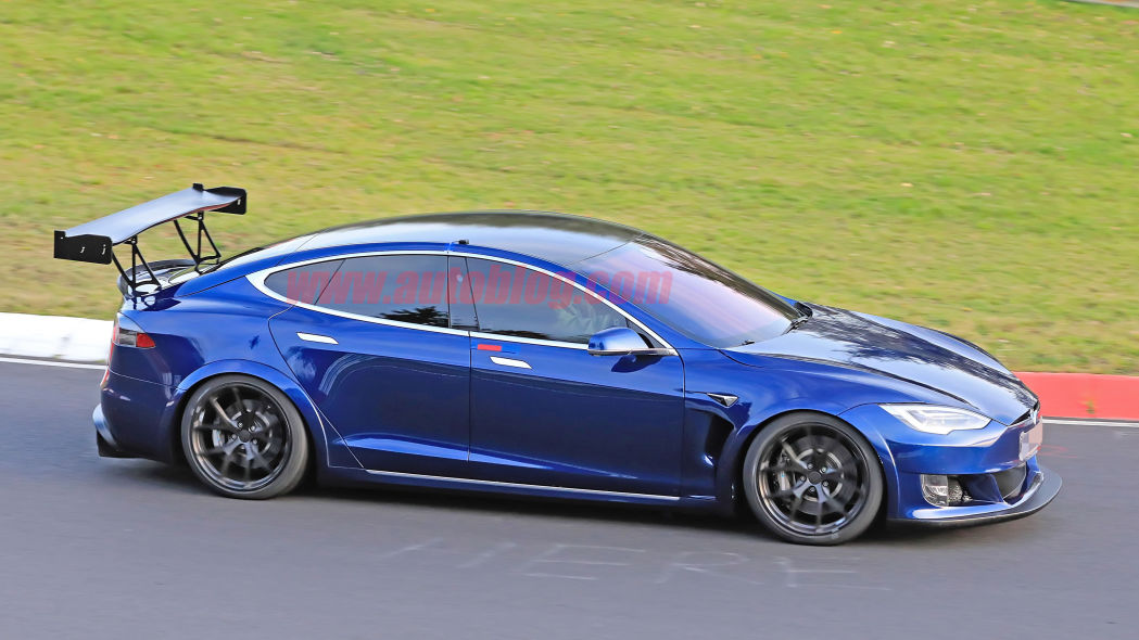 Image 4 : Tesla : la Model S en version course sur le Nurburgring
