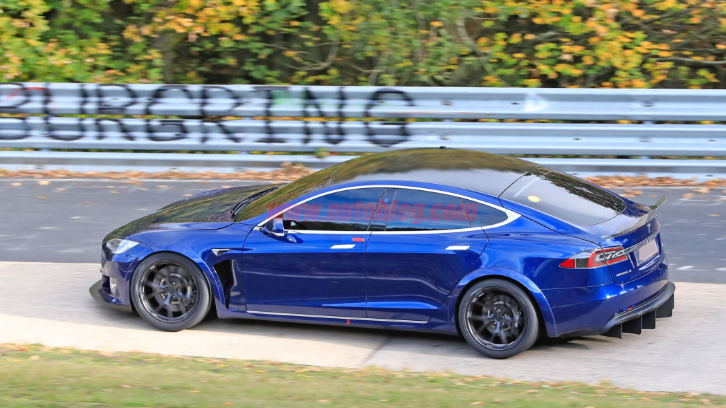 Image 6 : Tesla : la Model S en version course sur le Nurburgring