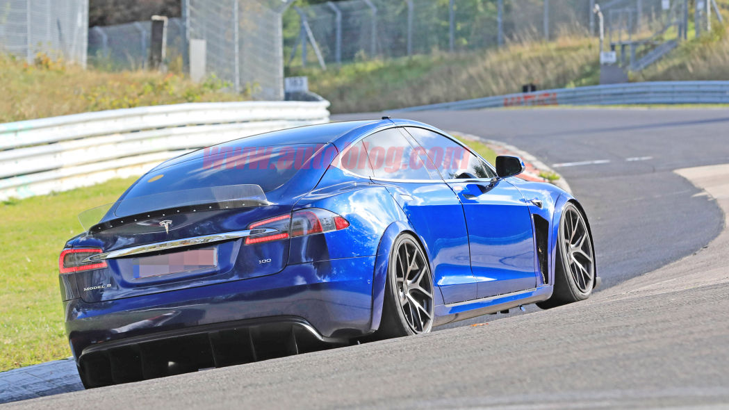 Image 7 : Tesla : la Model S en version course sur le Nurburgring