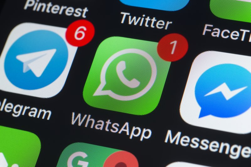 Image 1 : WhatsApp : bientôt des messages auto destructibles à la Snapchat