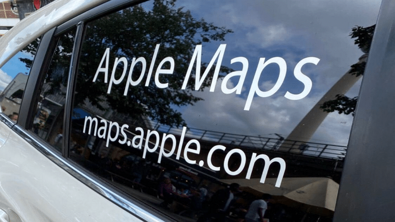 Voiture Apple Maps - YRH04E / Twitter