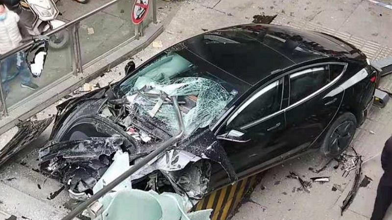Crash Tesla Model 3 en Chine - Car News China