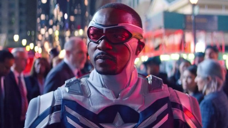Sam Wilson dans son costume de Captain America
